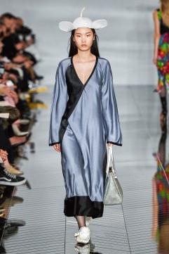 Loewe robe